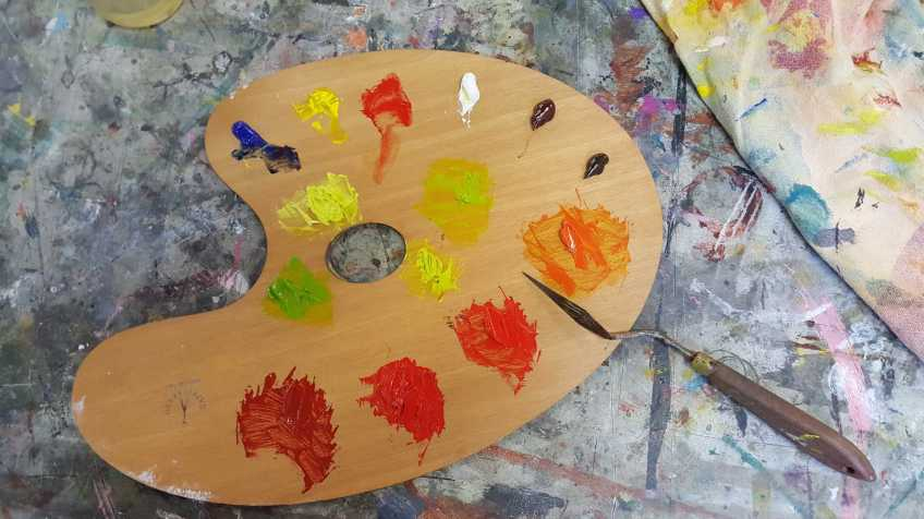 16-22 Class 8 'Produce Paintings' CAE Class - Certificate 111 in Visual Arts - Photograph taken by Karen Robinson Sept 2016 NB All images are protected by copyright laws