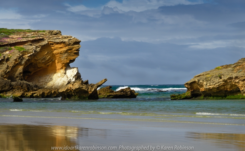 Warrnambool, Victoria - Australia 'Stingray Bay' Photographed by Karen Robinson November 2019 Comments: Views of Stingray Bay Beach and Ocean.